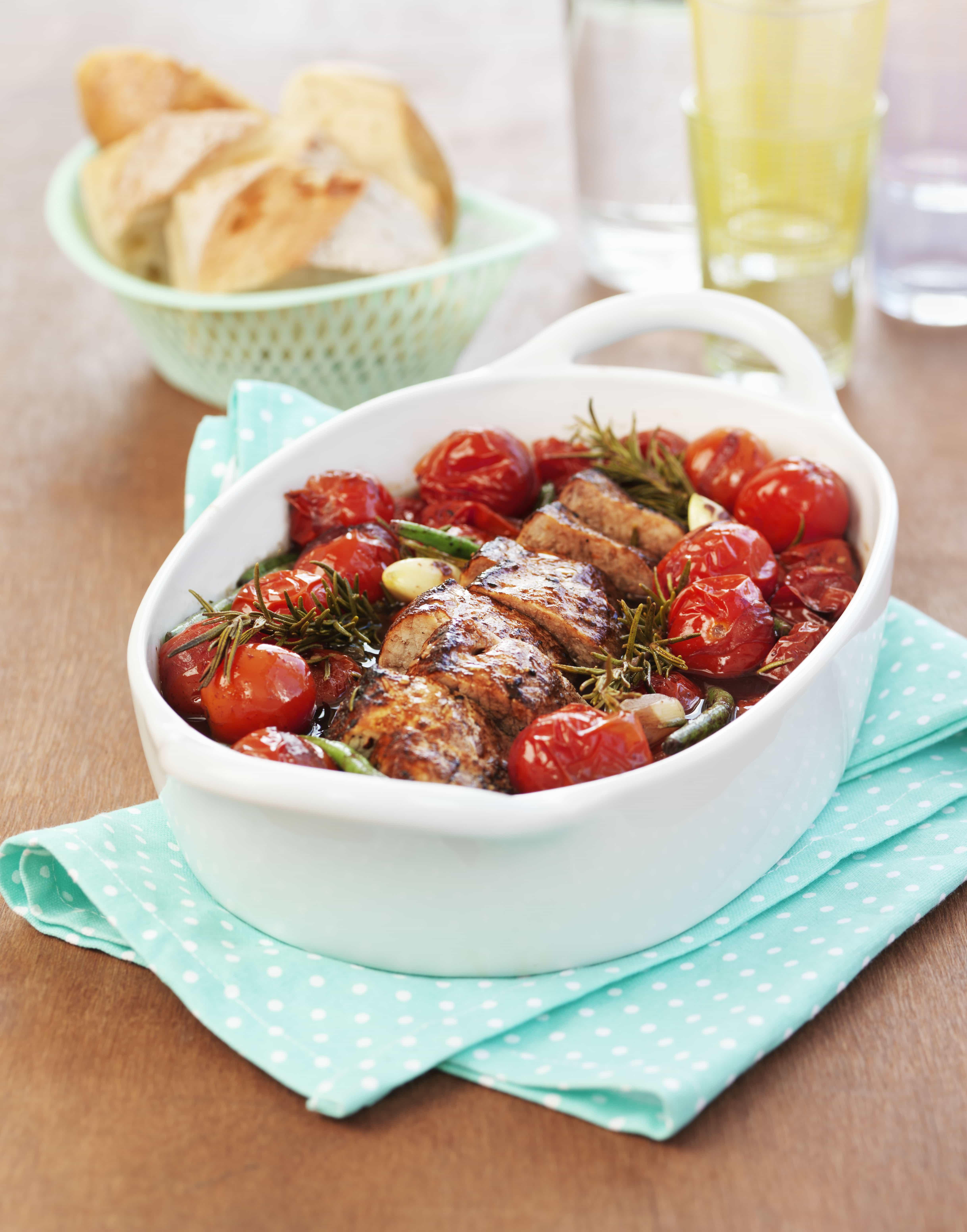 Ugnsbakad Fläskytterfilé med tomat och rosmarin